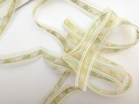 Art Deco Style Ribbon Cream