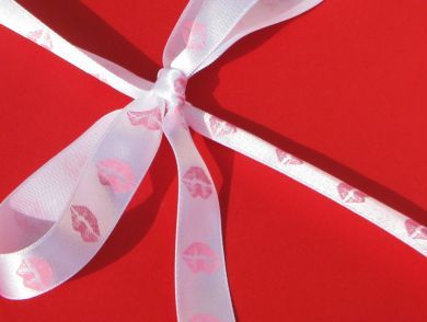 Pink Lips Ribbon