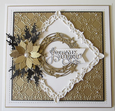 Christmas card with star wreath and frame dies